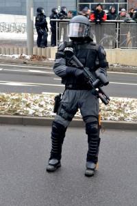 Polizist_Pepperball_Dresden